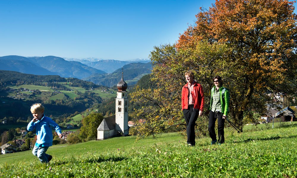 Culture and nature along hikes in Schlern area