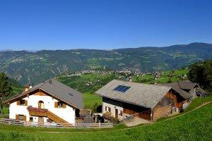 Heideggerhof mit Blick auf Völs und Umgebung